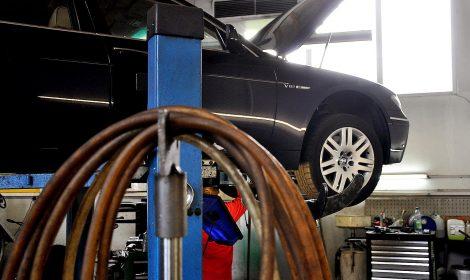 Wir stellen ein: Karosserie- und Fahrzeugbaumechaniker/Karosseriebauer (m/w/d)
